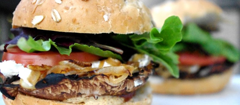 Cinnamon Ruta-Burger with Caramelized Onions