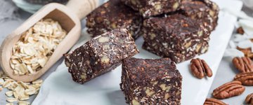 Chocolate Date Nut Energy Bars