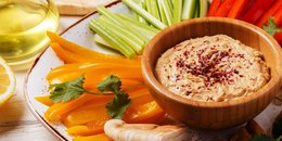 Hummus with Red Pepper & Carrots