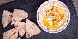 Pita bread and hummus