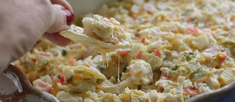 Cheesy Crab and Artichoke Dip