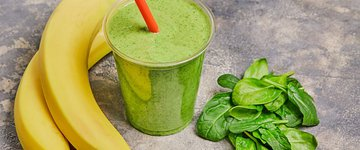 Banana, Kale and Coconut Water Smoothie
