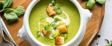 5-Ingredient Pea & Mint Soup