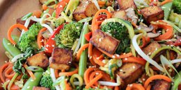 Vegan Chow Mein with Zucchini Noodles & Tofu