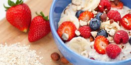 Oatmeal with Bananas and Berries