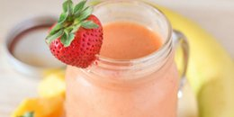 Strawberry Mango Spring Smoothie