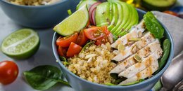 EASY Buffalo Chicken Quinoa Bowl