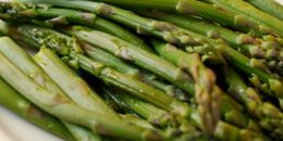 Microwave Steamed Asparagus and Green Beans