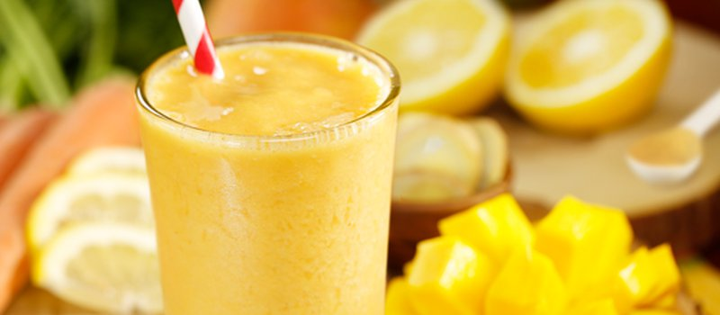 Mango-Banana Smoothie with Lemon Juice