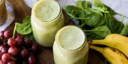 Almond Butter & Jelly Green Smoothie