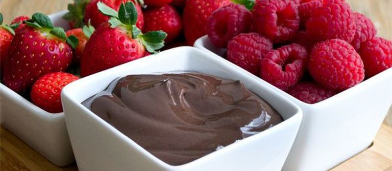 Dark Chocolate Greek Yogurt Dip