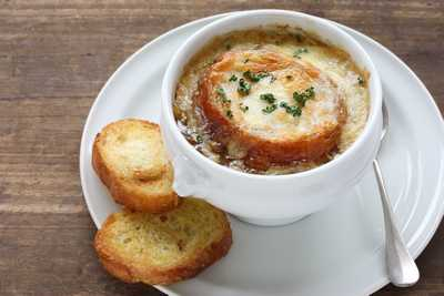 Quick French Onion Soup with Chickpeas