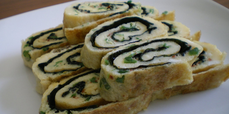 Korean Rolled Egg Omelette (Gaeran Mari)