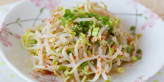 Bean Sprout Salad with Sesame Seeds
