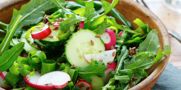 Fresh Salad with Garlic and Yogurt Dressing