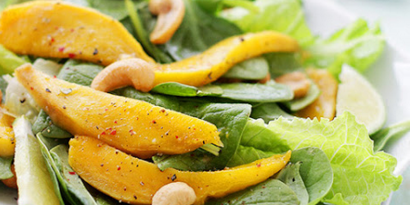 Tropical Salad with Pepper and Spinach