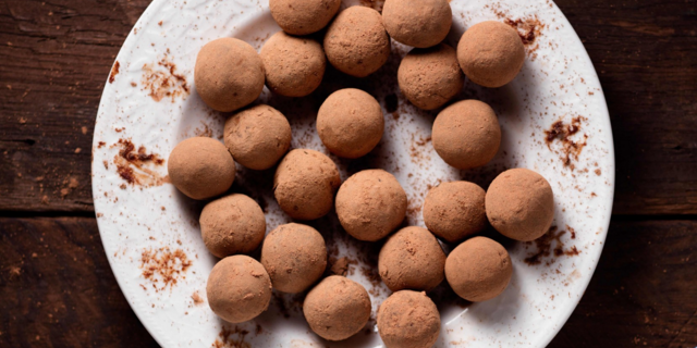 Raw Chocolate-Ginger Truffles