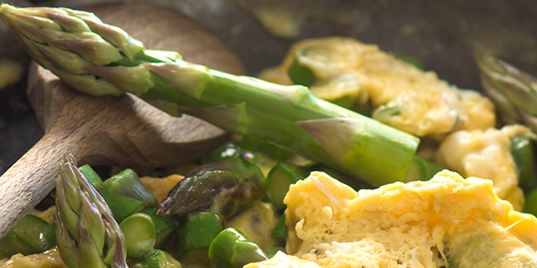 Scrambled Eggs with Goat Cheese & Asparagus