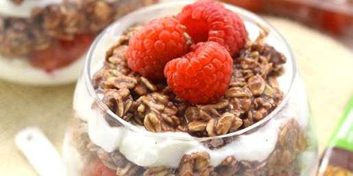 Chocolate Raspberry Overnight Oat Parfait