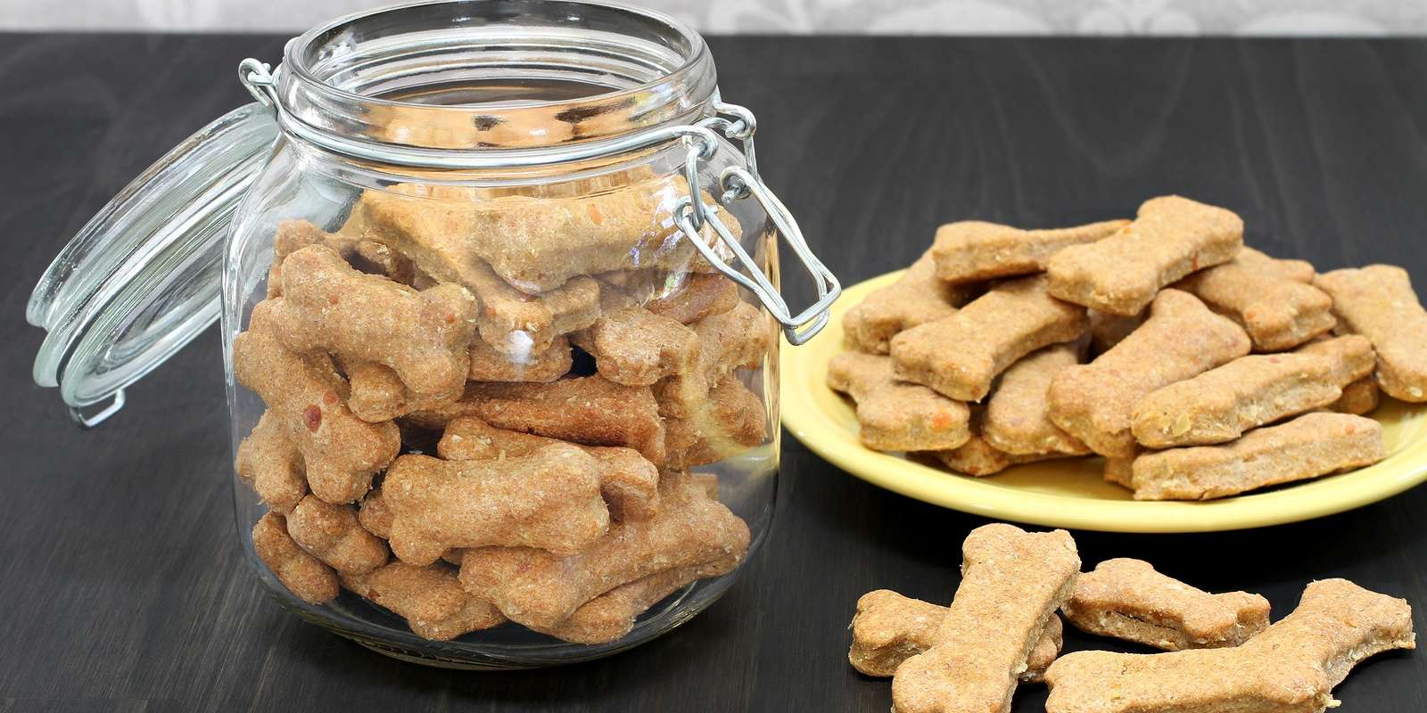 Peanut Butter Dog Biscuits With Molasses