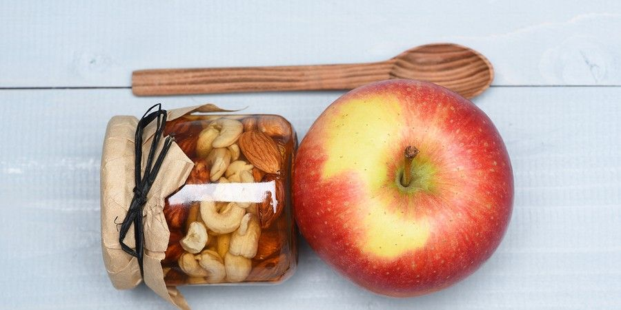 Apple & Nuts Snack