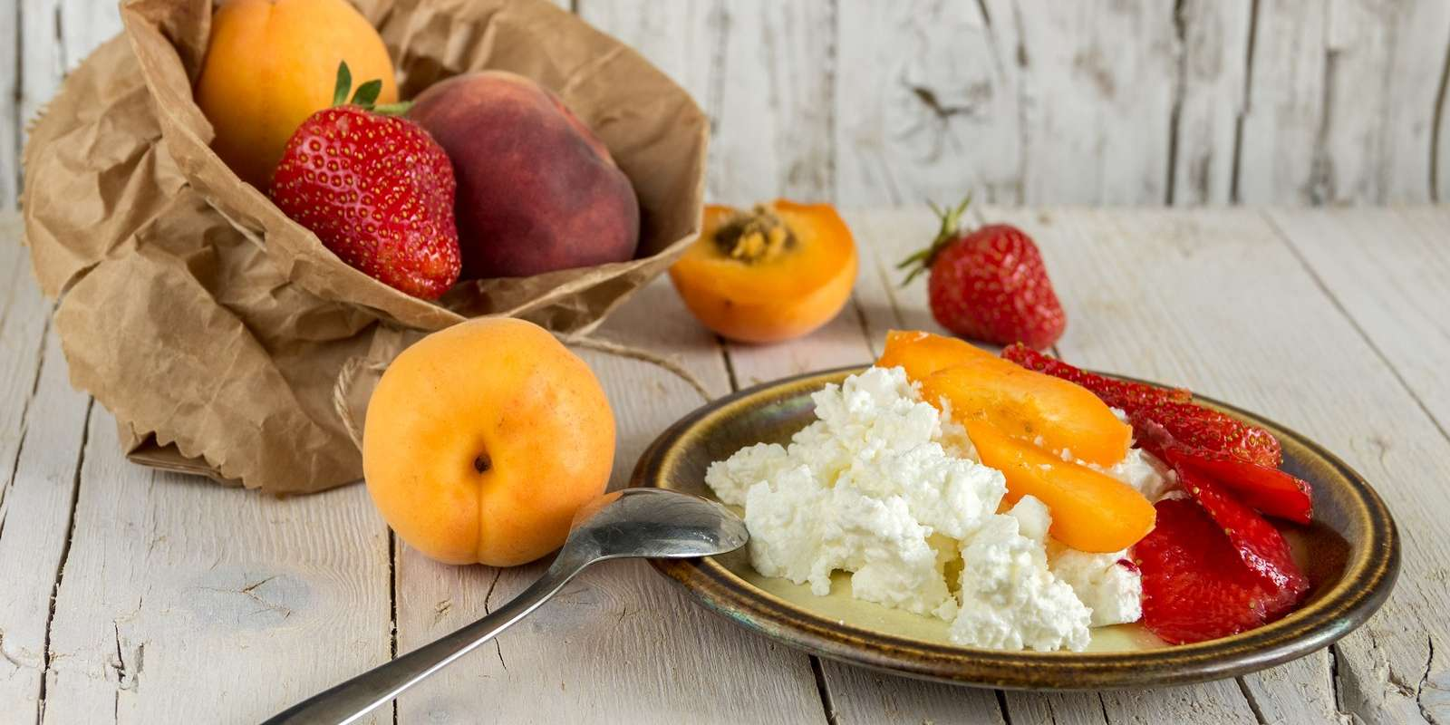 Bariatric-Friendly Cottage Cheese and Fruit