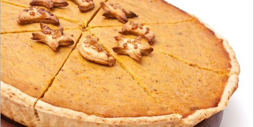 Delicious Holiday Pumpkin Pie with Almond Crust