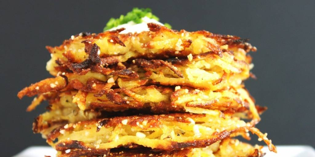 Latkes with Garlic Cream Sauce