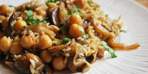 Chickpeas with Brown Rice, Mushrooms, and Thyme